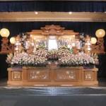 祭壇アレンジ花5